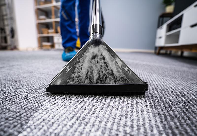 W ramach standardowej oferty sprzątania firm ibiur zapewniamy